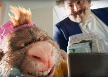 Bathroom Intruder is Vanquished by Gio Compario in Latest GoCompare Advert