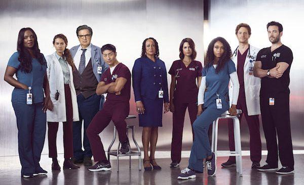 Atacul asupra Dr. Charles ajunge la tribunal, iar lucrurile se complică pentru echipa din CAMERA DE GARDĂ, în premiera sezonului 3 al serialului
