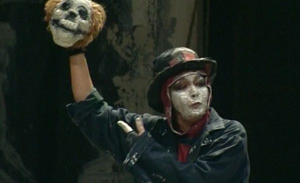 """Casa de Producţie TVR vă propune spectacolul """"Hamlet"""" de W. Shakespeare"""