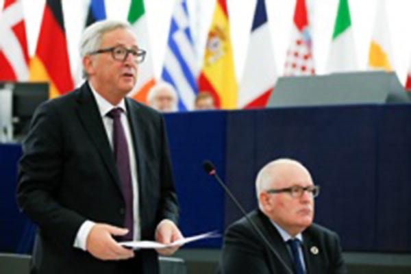 Jean-Claude Juncker si Frans Timmermans