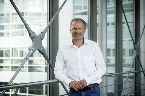 Mercedes-Benz Vans, Nou record de vanzari, Volker Mornhinweg