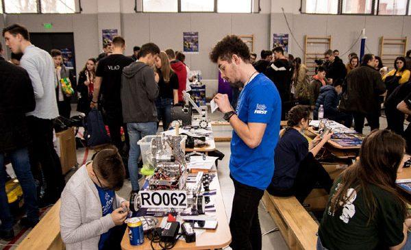 """Iașiul – al doilea oraș în care se desfășoară etapele regionale ale competiției de robotică """"BRD FIRST Tech Challenge Romania"""""""