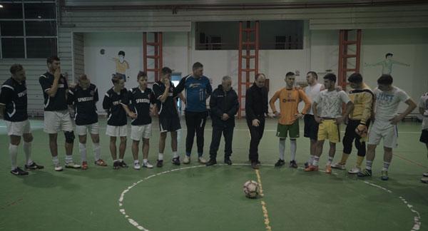 Fotbal infinit, comedia lui Corneliu Porumboiu despre fotbal și condiția umană, are astăzi premiera mondială la Berlin