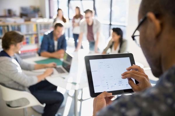 IDC - SAP, in topul furnizorilor de solutii cloud bazate pe Inteligenta Artificiala