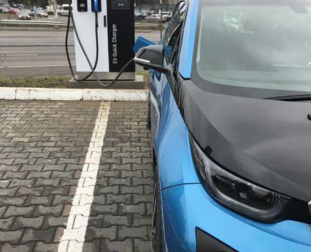 MOL România a deschis în Bucureşti prima staţie de încărcare pentru maşini electrice