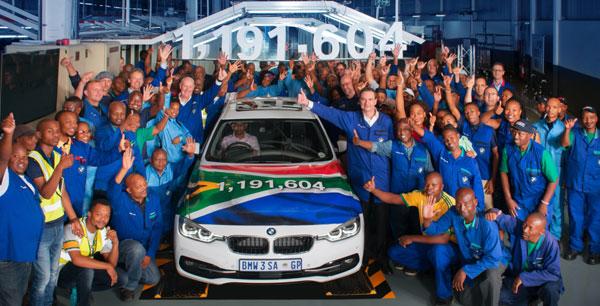 BMW Seria 3 Sedan părăseşte pentru ultima dată linia de producţie a uzinei BMW Group din Rosslyn, Africa de Sud, după 35 de ani de producţie