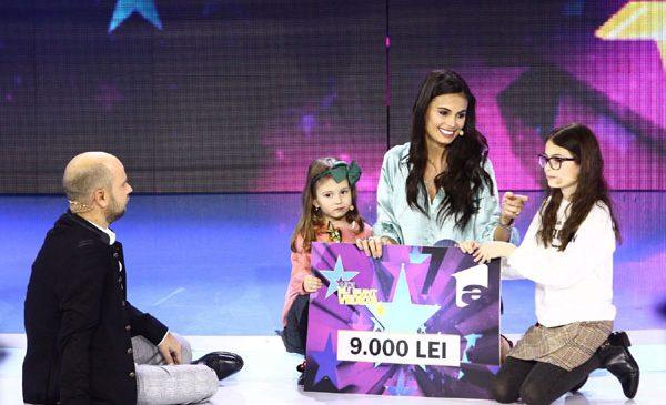 """Anca Sînă Serea și fiicele ei, Ava și Sarah, au donat banii câștigați la """"Aici eu sunt vedeta"""" unui băiețel bolnav"""