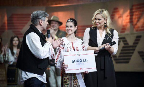 """Alexandra, câștigătoarea """"Ie, Românie"""" – Muntenia, este pasionată de designul de interior"""