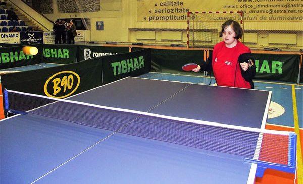 150 de sportivi cu dizabilităţi intelectuale participă la Campionatul Național de Tenis de Masă Special Olympics