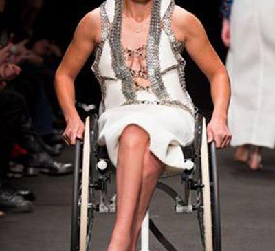 Povestea impresionantă a unei românce, model în Italia: A ajuns campioană la handbike, după ce a paralizat complet