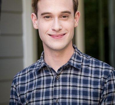Sezonul 3 al seriei Hollywood Medium with Tyler Henry are premiera duminică, 18 martie, la 22:00, la E!