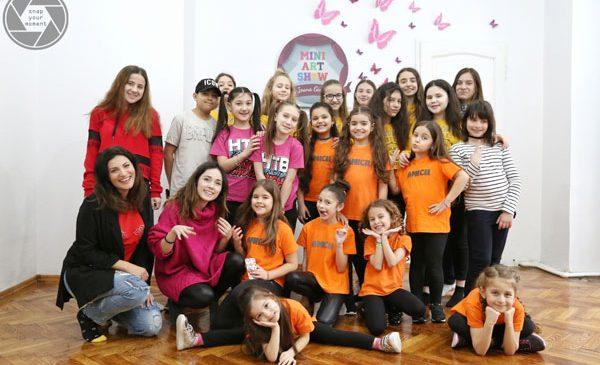 """MiniArtShow by Ioana Ginghină a dat startul proiectului """"Brave Kids România 2018"""""""