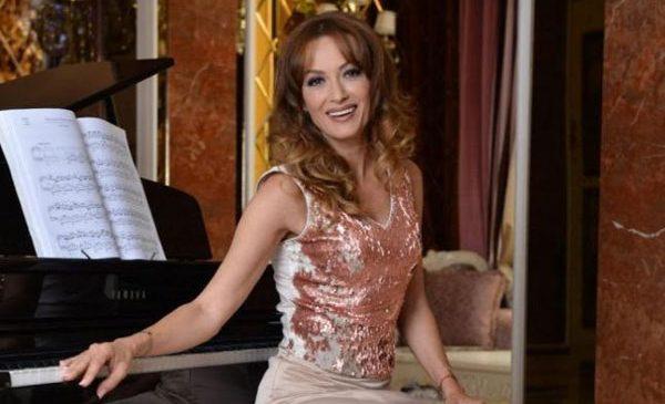 """Dezinhibată, amuzantă și excentrică, Tanya va face deliciul publicului român în musicalul """"MAMMA MIA!"""""""