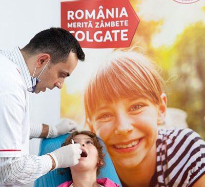 Consultații stomatologice gratuite oferite de Colgate și Crucea Roșie în 5 județe din România