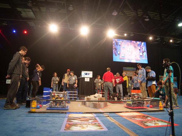 Romania in semifinala Campionatul Mondial FIRST Tech Challenge Detroit