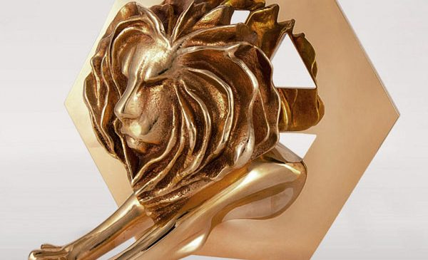 BRONZE LION la Cannes pentru Vloggers' Swap, o campanie Telekom Romania si Leo Burnett Bucharest