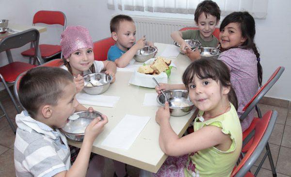 """Herbalife Family Foundation (HFF) continuă programul """"Casa Herbalife"""" în România şi oferă Asociaţiei """"Ana şi Copiii"""" al doilea grant în valoare de 35.000 de dolari"""