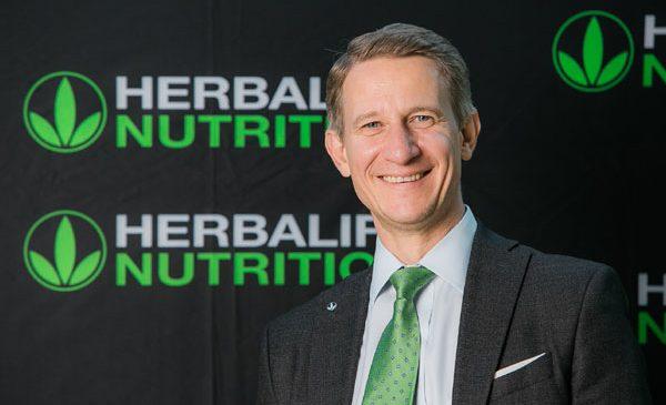 Herbalife Nutrition sărbătoreşte zece ani de la deschiderea primului birou în România