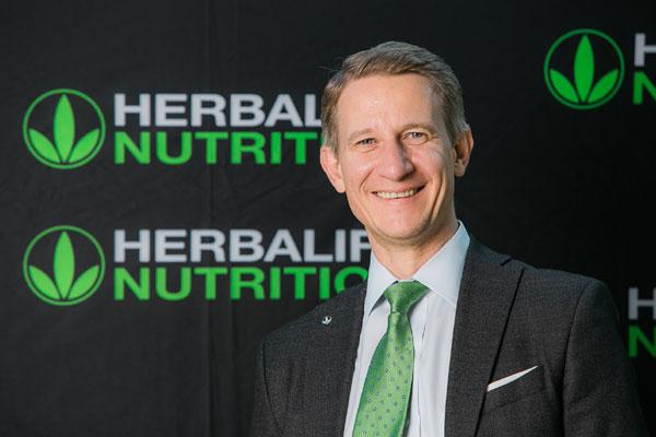 Romeo Cazanescu, Country Director Herbalife Romania, Moldova si Ungaria