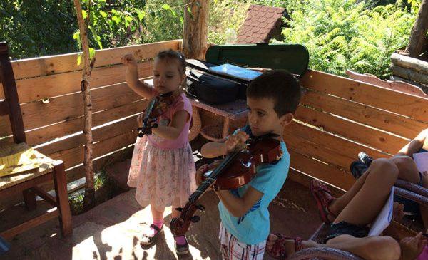 Se deschide Scoala de Vara Boem Club – cursuri de muzica pentru toate varstele