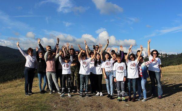 Asociația Pacienților cu Afecțiuni Neurodegenerative participa la Swimathon București pentru a strânge fonduri pentru proiectul MS Kids Retreat