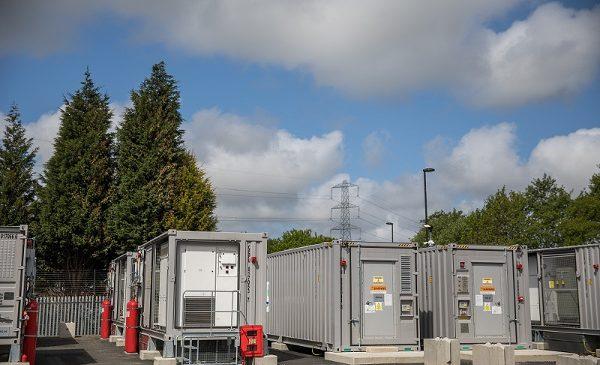 Enel inaugurează primul sistem independent de stocare a energiei pe bază de acumulatori din Marea Britanie