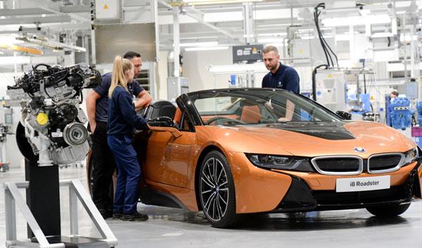 Uzina de motoare a BMW Group creşte ritmul pentru noul BMW i8 Roadster