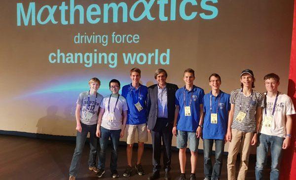 Gerrit Timmer, Co-Fondator și CFO ORTEC, a susținut un discurs la Olimpiada Internațională de Matematică, alături de Ciprian Manolescu și Victor Nistor