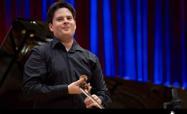 Concursul Enescu 2018 se deschide cu singurul triplu concert din literatura muzicală românească – o compoziție de Paul Constantinescu –, sub bagheta dirijorului Gabriel Bebeșelea la Ateneul Român