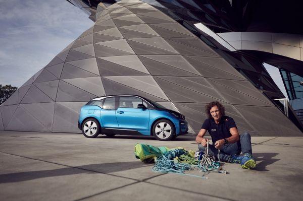 """Stefan Glowacz porneşte în expediţia """"Coast to Coast"""" cu BMW i3"""