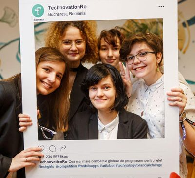 Elevele românce care au câștigat Technovation Challenge by UPC pleacă luni, 6 August, în Silicon Valley