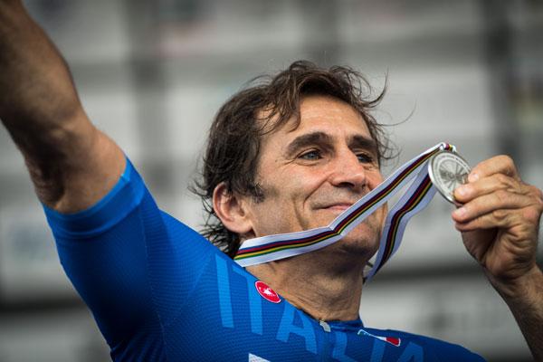 Maniago (ITA). Para Cycling World Championship, Team Relay. BMW Brand Ambassador Alessandro Zanardi