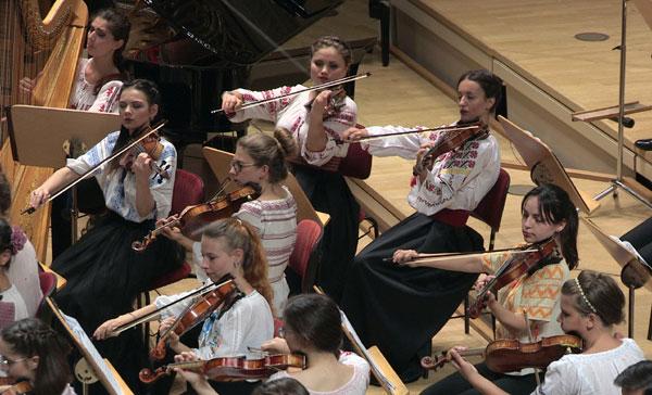 Horia Andreescu și Orchestra de Tineret România-Moldova în festival la Sinaia şi București
