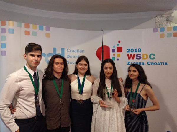 Romania pe podiumul Campionatului Mondial de Dezbateri Academice
