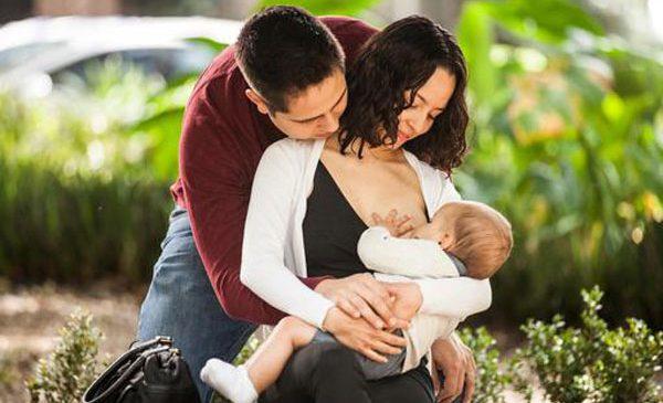 3 din 5 nou-născuți nu sunt alăptați la sân în prima oră de viață