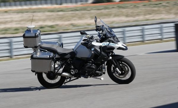 BMW Motorrad prezintă BMW R 1200 GS cu conducere autonomă
