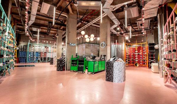 Tike! Sneaker Hub s-a deschis în București