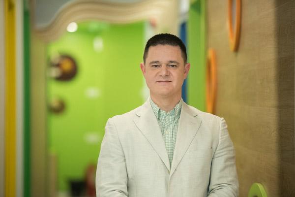 Dan Prediger fondatorul Karin's Kids Academy