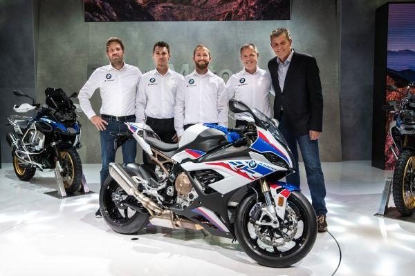 BMW Motorrad Motorsport va concura în WorldSBK în parteneriat cu Shaun Muir Racing şi un cuplu de piloţi pe măsură – Tom Sykes şi Markus Reiterberger