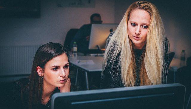 Exporturi UE: România, cea mai bună reprezentare a femeilor angajate în domeniu, la nivel european