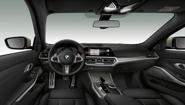BMW M340i xDrive Sedan interior