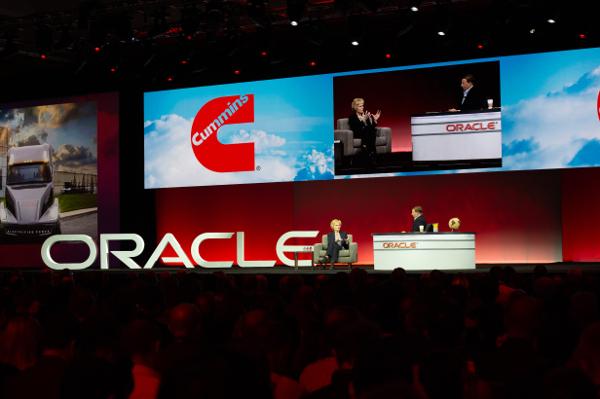 OpenWorld - Mark Hurd in dialog cu unul dintre speakerii Oracle OpenWorld