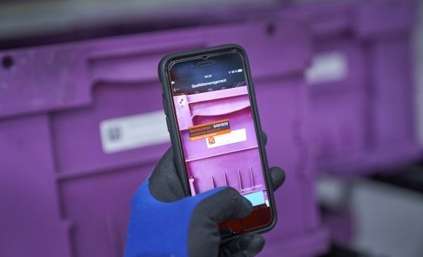 Roboţi, sisteme autonome, soluţii digitalizate: BMW Group extinde utilizarea tehnologiilor inovatoare în logistica producţiei