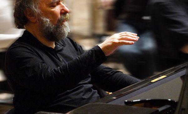 Legendarul pianist Radu Lupu concertează, cu casa închisă, la Royal Festival Hall din Londra