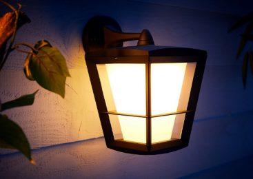 Philips Hue extinde gama pentru exterior şi aduce strălucire casei tale prin intermediul iluminatului