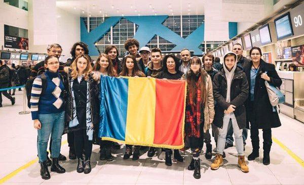 Robotiștii români participă la un schimb de experiență educațional în Paris