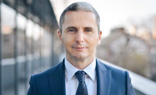 Studiu Deloitte: educația, nivelul de corupție și protecția mediului sunt principalele motive de îngrijorare pentru românii din Generațiile Millennials și Z