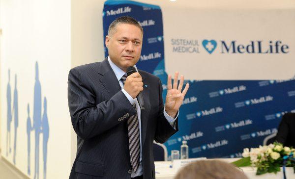 """MedLife: """"Am testat tot personalul medical din triaj, centre de oncologie și maternități. Dacă testăm preventiv și respectăm măsurile de protecție, putem învinge această pandemie. Testați, testați, testați!"""""""