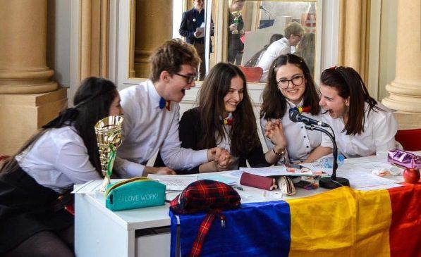 Lotul național al României la dezbateri academice – campioni europeni în pregătire pentru Campionatul Mondial
