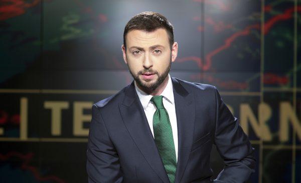 Radu Andrei Tudor prezintă Telejurnalul de seară la TVR 1